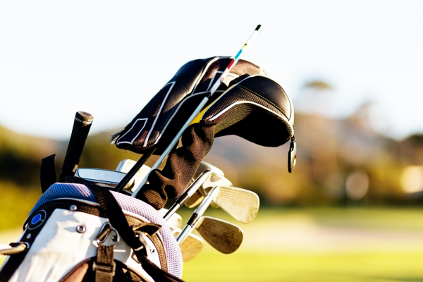 How to arrange clubs in a golf bag